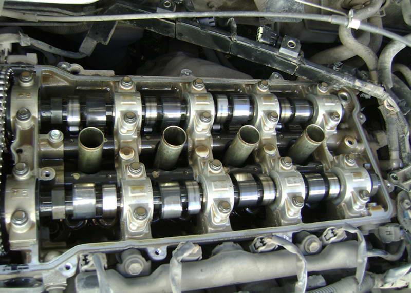 Какое масло лить в двигатель авто